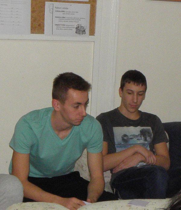 Plavi telefon Lovro i Robert