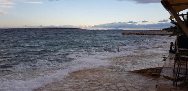 i gledam more i gledam more zlato