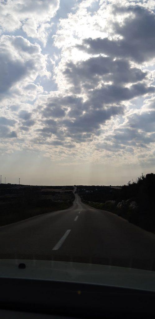 Praznina, Paškom cestom